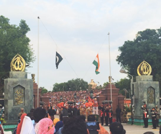 Flag lowering on the Wagah border between Pakistan and India. Image: Christopher McGill.