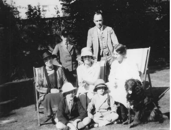 Alexander Wilson (standing) with his family in Southampton when he started teaching at Islamia College, Lahore and writing espionage novels. Middle to late 1920s. Image: Alexander Wilson Estate.
